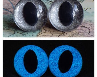 21mm Glow In The Dark Cat Eyes, Smoky Silver Glitter Safety Eyes With Blue Glow, 1 Pair of Plastic Safety Eyes