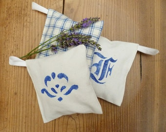 Lavender sachets, set of 3, vintage farmer's bed linen from Bavaria, antique grain sack motifs, aromatherapy,moth protection