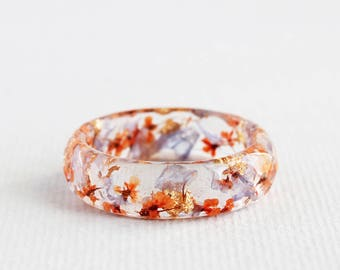 Floral Resin Ring with Pressed Flowers and Gold Flakes • Faceted Clear Ring • Nature Inspired Jewelry - Orange and Blue Flowers