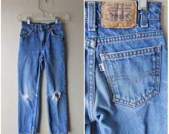 Kid's Vintage Levis Slim Fit Ripped Jeans - Size W22 L23