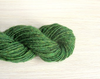 Wool knitting yarn 1 oz 61 y 21 mc / 28 g 55 m green single yarn traditional handspun weaving sport yarn
