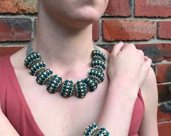 Scollop Necklace & Braclet Set