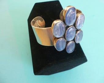 Sterling silver and 5 blue labradorite stones.