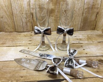 Mr. and Mrs. Toasting Flutes & Cake Server Full Set, Burlap and Camo Wedding Toasting Glasses, Cake Knife Server Set, Reception Accessories