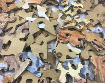 Approx 150 Vintage wooden jigsaw pieces - 1960's - could be a complete jigsaw - not sure - crafts etc - unusual shapes and sizes