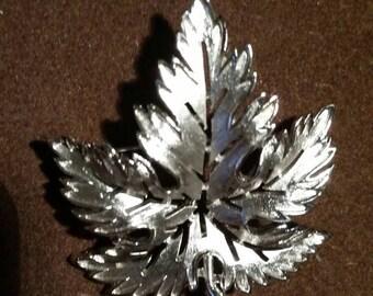 Trifari vintage brooch silver leaf, vintage brooch, vintage Trifari, leaf brooch, silver brooch