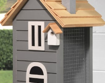 Beautiful bird houses hand made to order