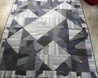 Gray patchwork quilt design