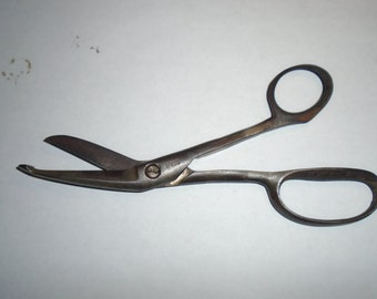 Old Wiss Bandage scissors / Bandage Scissors / Scissors / Wiss Scissors / Vintage scissors / Medical scissors / Doctors scissors
