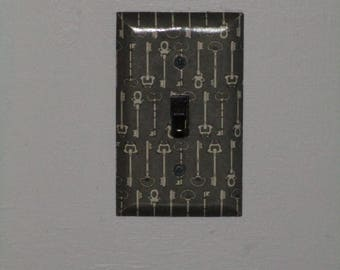 Outlet Cover Keys-Dark  Wall Plate