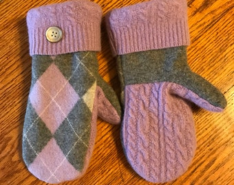 Recycled sweater mittens/Soft and warm handmade wool sweater mittens