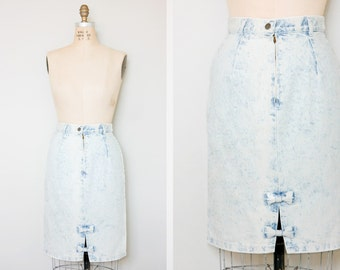 Vintage 80s Skirt / Vintage 1980s Skirt / Vintage Clothing / 80s Denim Skirt / 1980s Denim Skirt / 80s Faded Denim Skirt / Small Vintage S