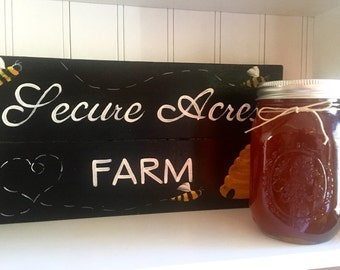 1 Pint of Honey Farm Fresh RAW Honey