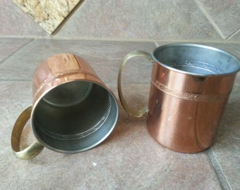 Vintage Set of Two Copper Tin Lined Mugs with Brass Handles, Schroll Design all Around the Cup, Excellent Condition, No Dings or Dents