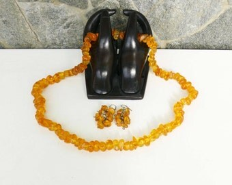Beautiful Vintage Bulgarian Set of Necklace and Earrings is made of  yellow Amber!