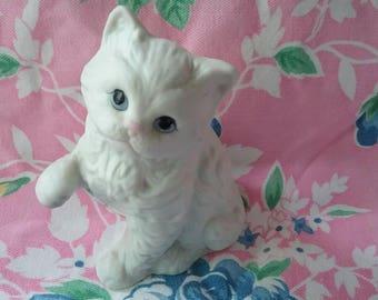 Vintage White Cat Figurine, Homco