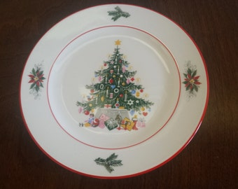 """Vintage Golden Crown China Christmas Tree Holiday Plate 8"""" Bavaria Schumann Arzberg Germany #33"""
