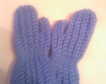 2-3 year old crocheted mittens,child mittens,winter accesories,handmade,made to order