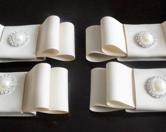 Cream Grosgrain Ribbon napkin rings with Pearl Rhinestone Button(set of 4)