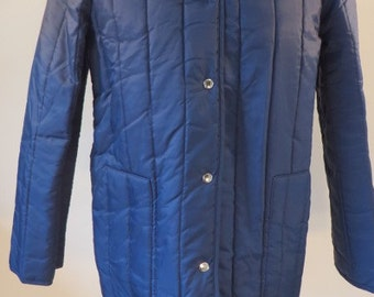Vintage 1970s unworn (still with tags) St Michael (M&S) navy blue padded jacket. Size 12, US 10, EU 40.