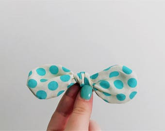 Blue Polka Dot Hair Bow Clip // Spotty Blue Hair Accessories // Blue Girl Bow // Pattern Knot Hair Bow // Alligator Clip // Medium Hair Bows