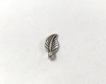 SALE 40 Silver Leaf Charm 2-Sided Leaf Charms Leaves Nature 0107C