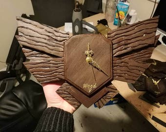 League of Legends Wood V Emblem Clock