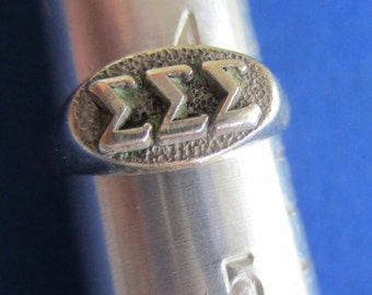 Sigma Sigma Sigma Sterling Silver Pinky Ring, Vtg '67, Raised letters, collectible styling, size 4 1/4, Solid condition