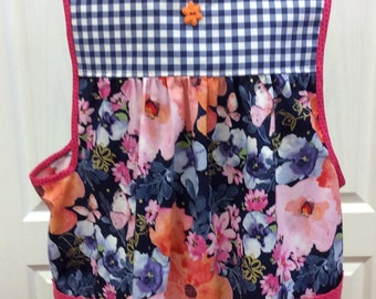 Womens Adult L-XL Flower and Checkered Apron