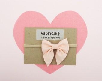 Peach Bow Headband. Baby Bow Headband. Light Coral. Peaches and Cream Bow. Infant Headband. Pale Peach Bow Headband. Gift for New Baby Girl.
