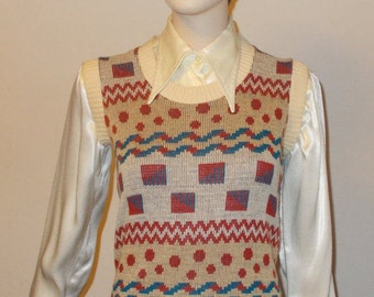 1970s Mod Hippie Beeline Fashions Acrylic Beige Geometric Women's Sleeveless Pullover Sweater Vest Top Size 34
