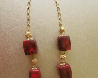 Celebrity NY  Necklace Red and Black Beads Gold Tone Filigree