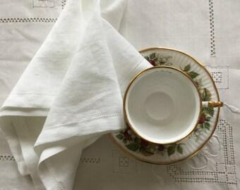 White dinner napkins