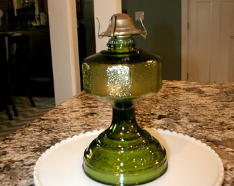 Green Glass Oil Lamp//P&A Dorset Div. Thomaston, Conn//Vintage Oil Lamp