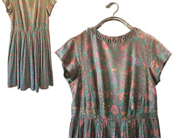 Vintage Green Floral Pleated A-line Dress — Large