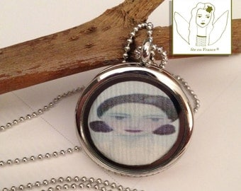 JEWEL NECKLACE LOCKET