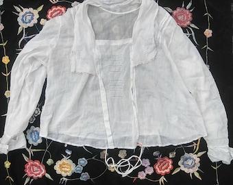 1910s WWI antique white cotton lawn embroidered armistice blouse // osfm