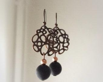 Copper filigree earrings and Matt Black agate