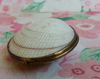 Vintage Large 1930s Hinged Shell Purse