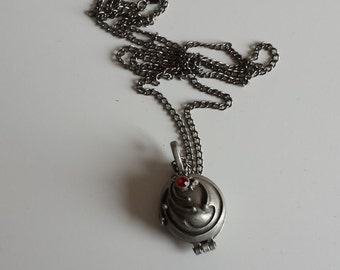 Eleanor vampire vervain necklace locket pendant