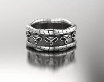 Skull wedding ring, Alien ring, geek wedding ring, sci fi ring, ufo ring, goth skull ring, silver mens skull