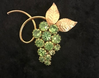 Vintage Green Rhinestone and Gold Tone Brooch, Grape Cluster