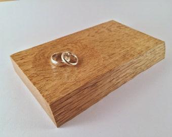 Hand carved oak oddities dish - 002