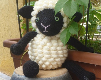 Amigurumi Doudou Pompom, the sheep lamb