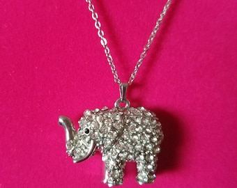 Adorable Vintage Elephant Rhinestone Pendant Necklace with a Filigree Backing! - Very retro! Wonderful Condition! Lots of Sparkle!