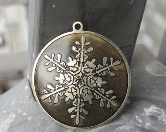 Antiquated Snowflake Pendant, Brass Necklace, Gift for Her, Snowflake Necklace, Vintage Pendant,Nature Jewelry,Christmas Jewelry