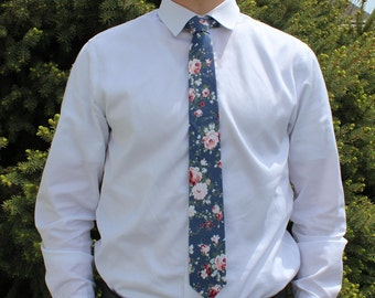Blue Floral Tie, semigloss finish