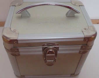 Metal box purse makeup jewelry case with mirror