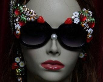 Unusual Strawberry Bee Embellished Rococo Shades Sunglasses
