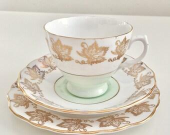 Vintage teaset for one, Royal Vale 1950s, fine bone china